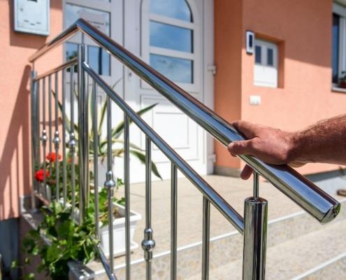 Main-courante pour escalier extérieur