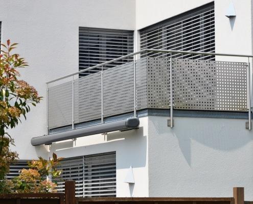 Garde-corps en métal ajouré pour sécuriser un balcon